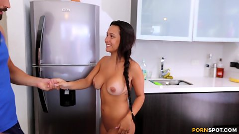 Big boobies latina Jesica fits dick in her mouth