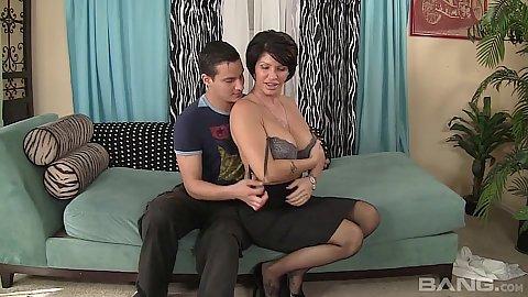 Corrupt big boobs milf Shay Fox takes off bra and sucks cock
