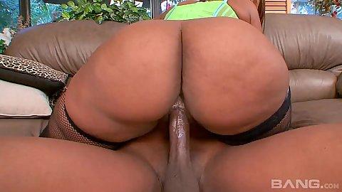 Giving big bubble butt ebony milf Blaze cock riding