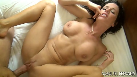 Spread legs relaxing pussy entry with pleasurable busty girl Veronica Avluv