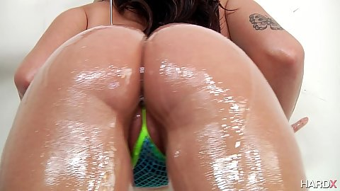 Oily ass solo posing with hairy girl Karlee Grey