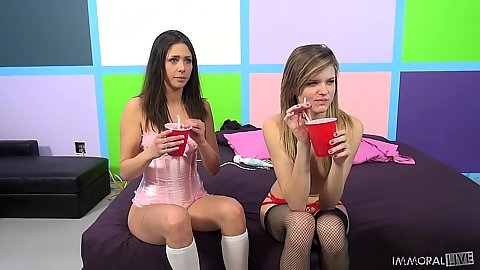 Lingerie skinny petite Scarlett Fever and Anna Morna two damsels
