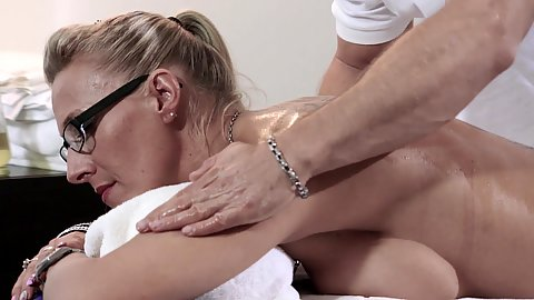 Oil massage with temping busty blonde German milf Lana Vegas