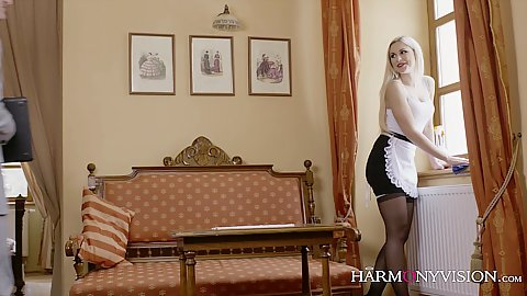 Blonde maid Lola passionately kissing guy