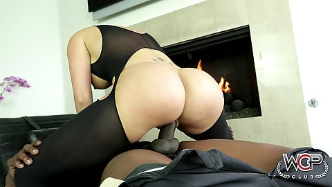 Round awesome ass milf Savannah Stylez riding big black dick