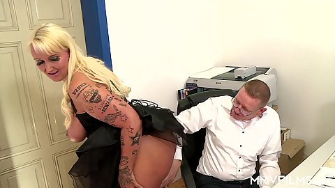Overwhelming office blonde Kitty Wilder is mature and good