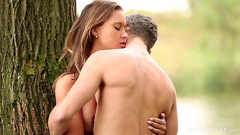 Intimate outdoor river loving with Naomi Bennet