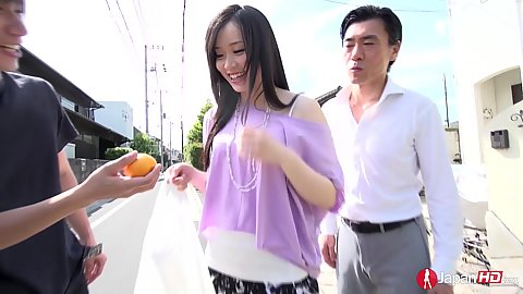 Yuka Wakatsuki agrees to threesome with two men and eats a fruit