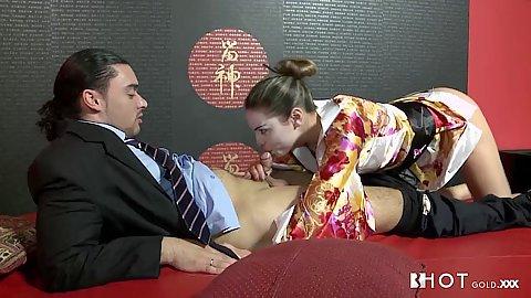 Geisha latina Bianca Casanova sucking very well