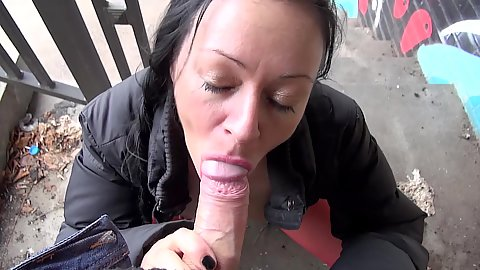 Hiding in plane site around Berlin Mareen De Luxe giving pov oral on the street