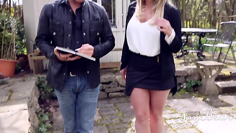 Miniskirt outdoor Victoria Summers going to suck