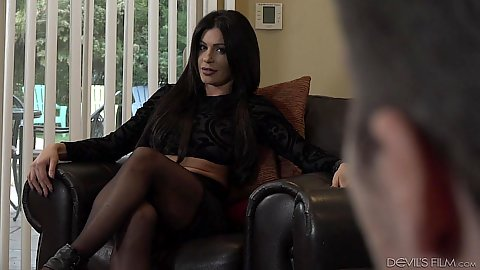 Brunette fully clothed housewife Nikki Capone about to get licked
