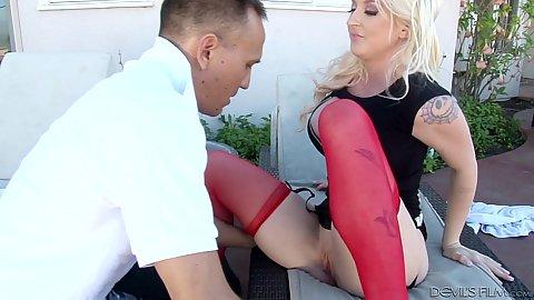 Blonde stepmom Leya Falcon sucks dick