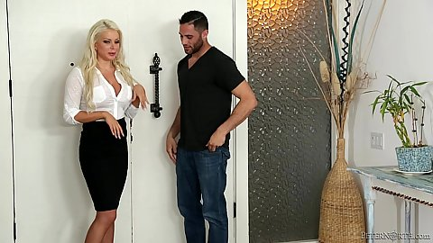 Fully clothed good looking mom milf Savannah Stevens
