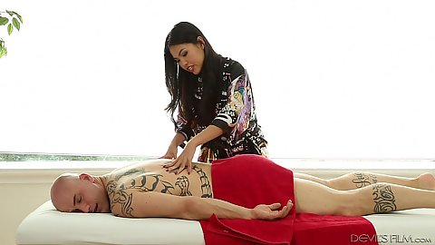 Relaxing cfnm asian massage with Cindy Starfall