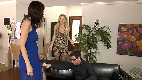 Brunette and blonde Natasha Starr and Phoenix Askani in wife helps mistress