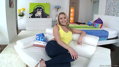 Mia Malkova in for a stripping show