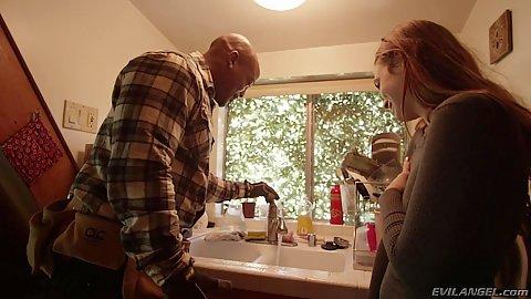 Redhead girl Jodi Taylor fully clothed