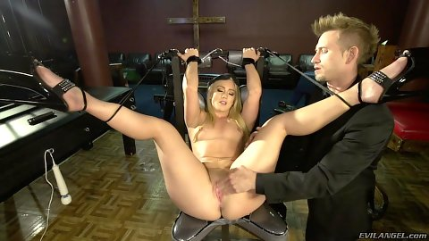 AJ Applegate tied up an fetish squirt queen leaking