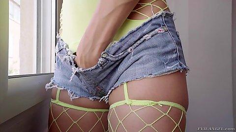 Alexa Tomas feeling in her pants