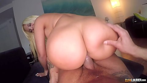 Blondie Fesser and Briana Banderas bubble butt dick riding frenzy