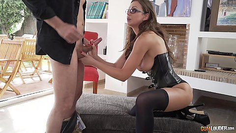 Perverted female therapist Tina Kay fucks patient