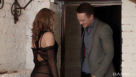 Lingerie Sofi Goldfinger meets man at the door for seduction art class