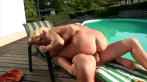 Pool chair riding with horny cheerful blonde Adele Sunshine
