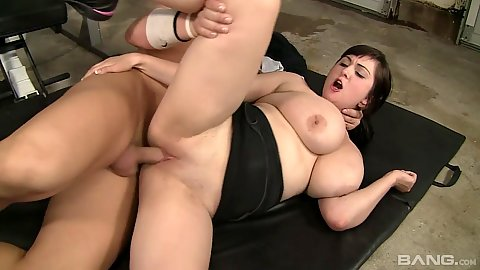 Workout sex on gym mat with Beverly Paige and her big ass