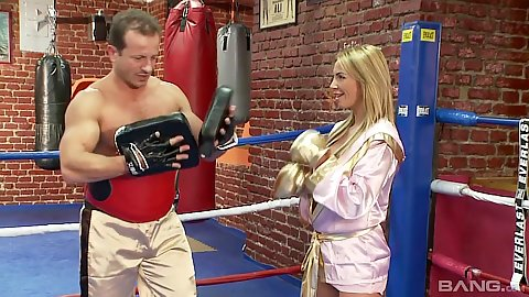Candice the milf takes a boxing lesson