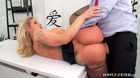 Big bubble butt milf Ryan Conner makes some noise as she is entered on office desk