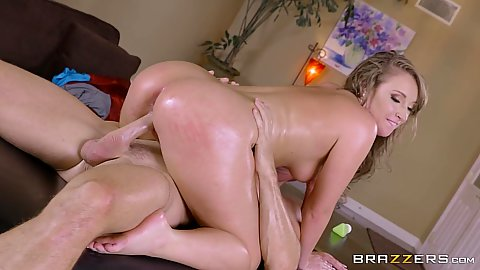 Oiled and shiny body bubble butt Harley Jade grinding on dick