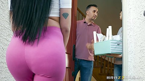 Ass in pants Raven Bay invites man in