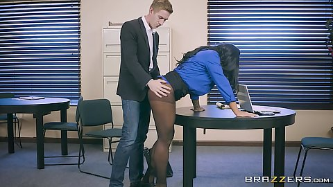Nylon milf latina fully clothed pantyhose open on ass Simone Garza