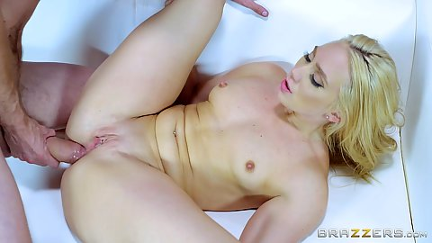 AJ Applegate ready to receive dick in her anus and be choked