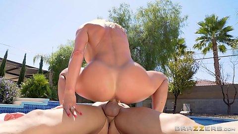 Dick riding nice athletic milf stepmom Alexis Fawx