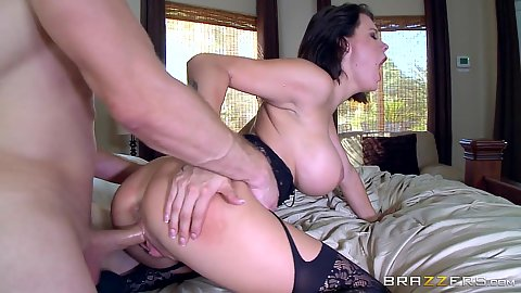 Pussy penetration with guilty brunette Peta Jensen