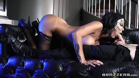 Peta Jensen loves oral for large cock in masquerade