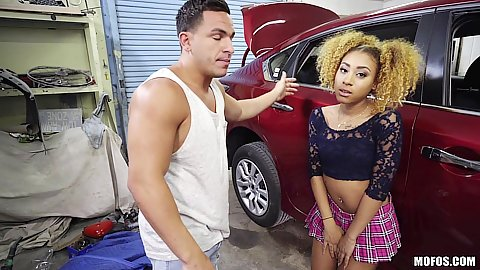 Petite black girl Kendall Woods going for deep throat to get mechanic discount