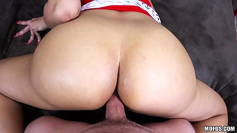 Mercedes Carrera trying her magazine anal sex tips in pov clos eup