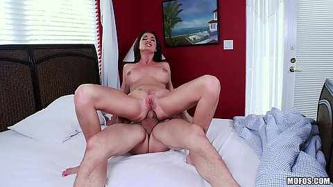 Ass fucking milf Silvia Saige getting stretched quite nicely