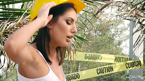 Construction worker girls AJ Applegate and August Ames