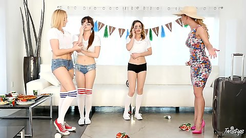 Kristen Scott and Cherie DeVille food party girls