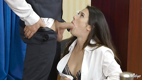 Sucking a nice cock during elections Eva Lovia