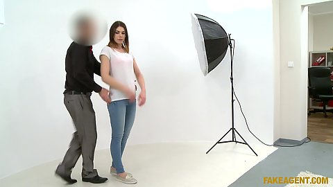 Photo shoot with undressing girl Jessica Beil