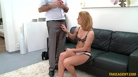 Male agent getting his cock sucked off during office audition Chrissy