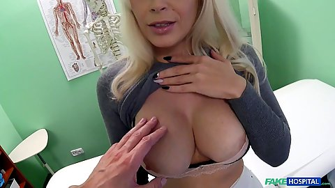 Busty Vittoria Dolce shows her milf chest to doctor and blows him