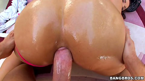 Sexy round oily milf ass and a nice deep anal fuck
