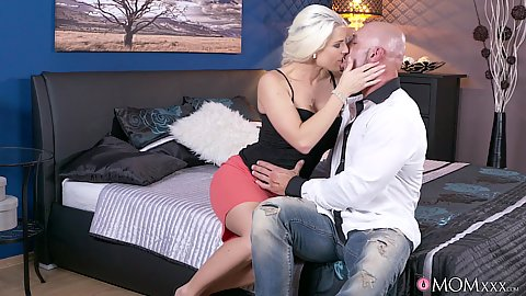 Blonde mom milf kissing guys Blanche Bradburry