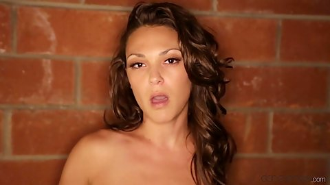 Pleasing naked girl Olivia Wilder moves in to suck in pov